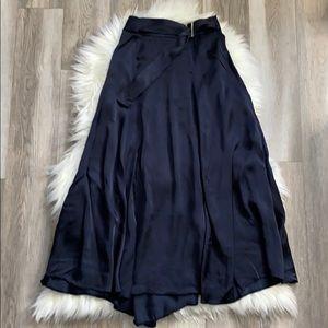 2/$50 ✨ H&M Maxi Skirt